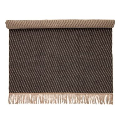 Barna szőnyeg