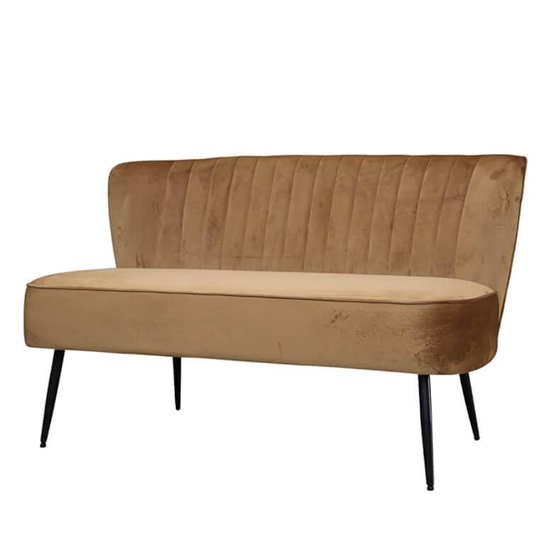 Bársony kanapé karamell színben skandináv stílusban